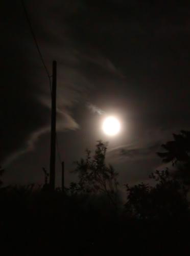 Když měsíc rozlije světlo své po kraji